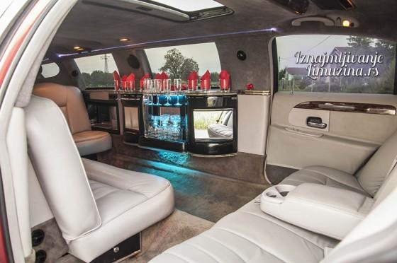 iznajmljivanje limuzina lincoln towncar